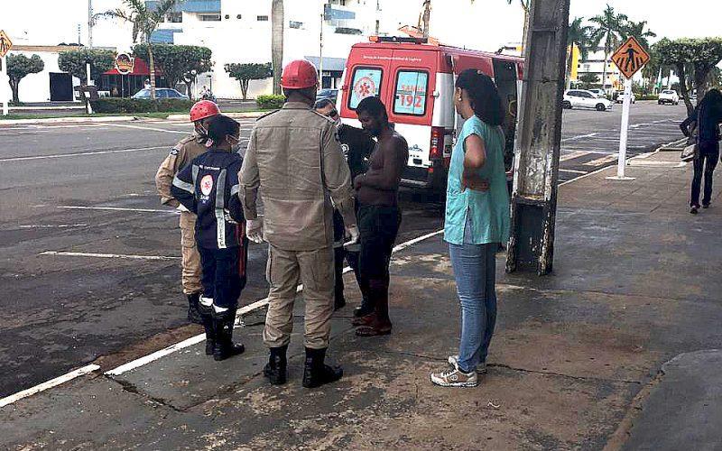 Assistência Social e Secretaria de Saúde encaminham morador de rua para tratamento