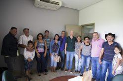 Moradores do Vale do Abençoado se reúnem com prefeito Fábio e pedem ajuda para regularização fundiária