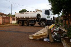 SMOV e Vigilância Ambiental iniciam novo mutirão de limpeza no bairro Santa Rosa