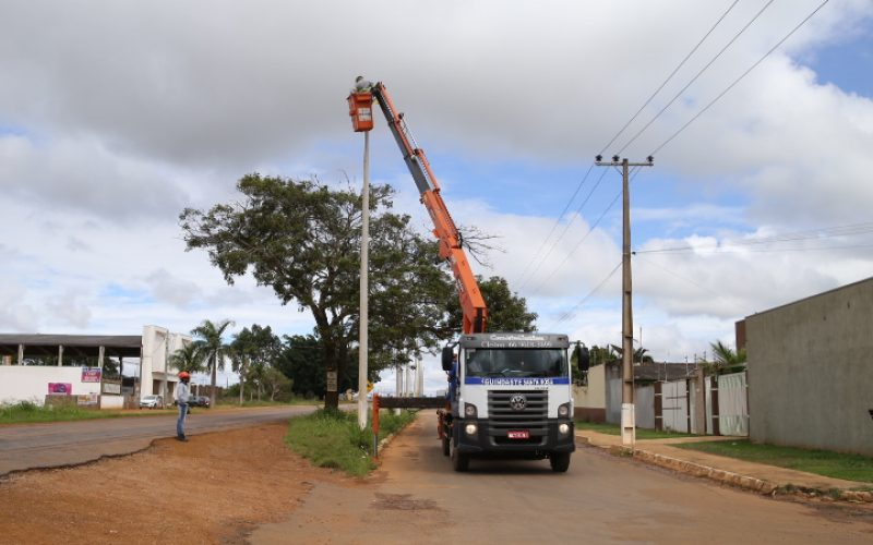 Manutenção constante garante iluminação pública eficiente