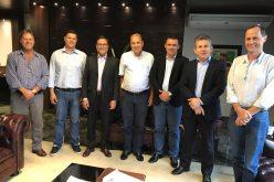 Comitiva de CV se reúne com governador em busca de apoio para a avicultura
