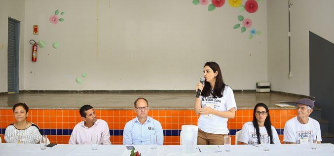 Durante Conferência, secretária de Assistência Social fala sobre políticas públicas voltadas aos idosos