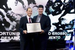 """Fábio Schroeter é premiado em duas categorias no """"Prêmio Sebrae Prefeito Empreendedor"""