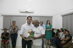 Secretaria de Habitação entrega títulos a 37 famílias do São Miguel