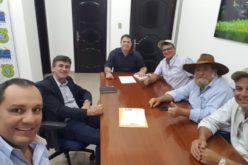 Secretário de Obras e Viação busca viabilização de madeira junto ao IBAMA