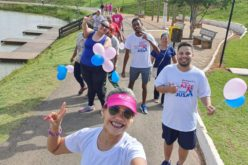 "Caminhada ""Outubro Rosa e Novembro Azul"" reuniu 60 participantes"