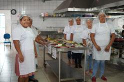 Merendeiras da Rede Municipal de Educação participam de Desafio Culinário