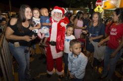 Chegada do Papai Noel marca abertura das comemorações natalinas em Campo Verde