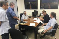 Prefeito e secretário de Infraestrutura assinam termo para operação do terminal rodoviário