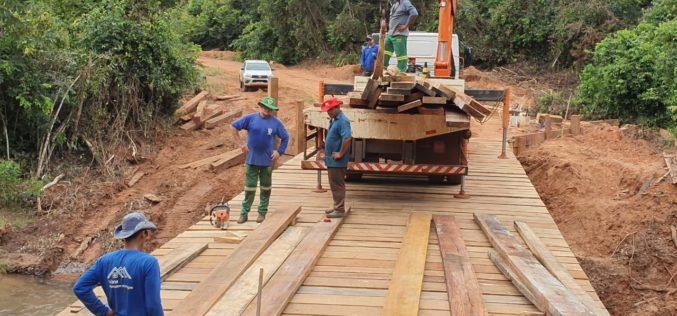 Prefeitura recupera ponte e estrada na comunidade da Serrinha