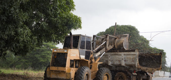 Vigilância Ambiental realiza mutirão de limpeza no Jardim Campo Verde