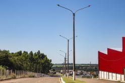 Lâmpadas de LED são instaladas em mais três avenidas de Campo Verde