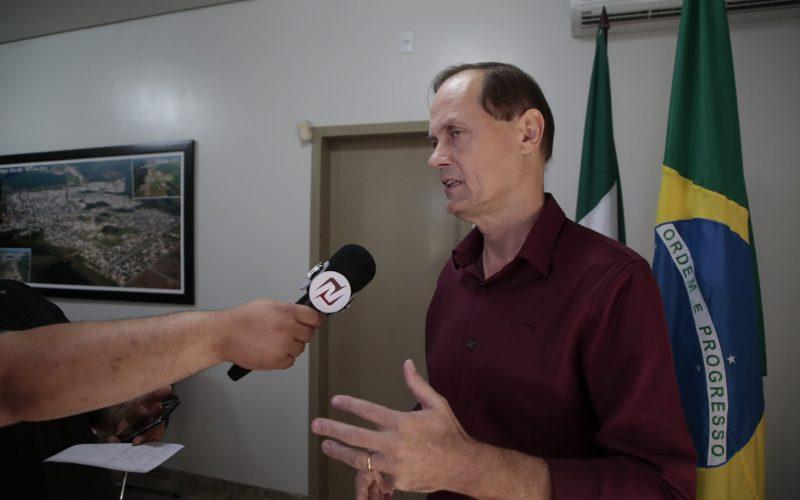 """""""Reajuste na tarifa de água cumpre determinação contratual"""", explica prefeito"""
