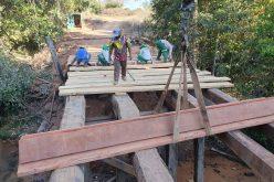 Secretaria de Obras inicia reforma de ponte no Rio Jangada