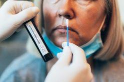 Busca por atendimento aos primeiros sintomas evita agravamento da Covid-19, diz secretário de Saúde
