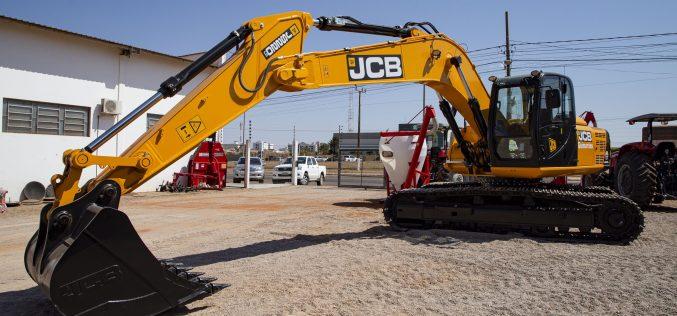 Prefeitura adquire escavadeira hidráulica para o Aterro Sanitário