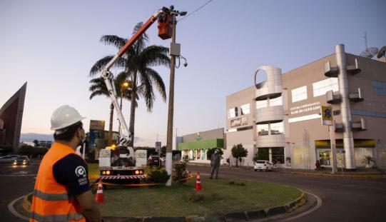 Parceria com a Energisa garante troca de luminárias em avenidas sem custo para o Município